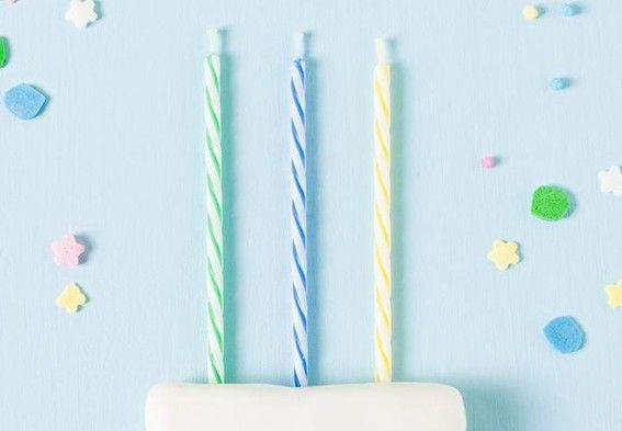 Long Spiral Birthday Cake Candles Smokeless 24 Pcs Blue / Green / Yellow Color